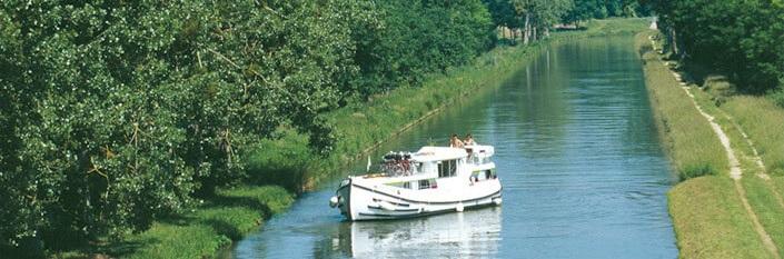 Kanalbåt i Picardie
