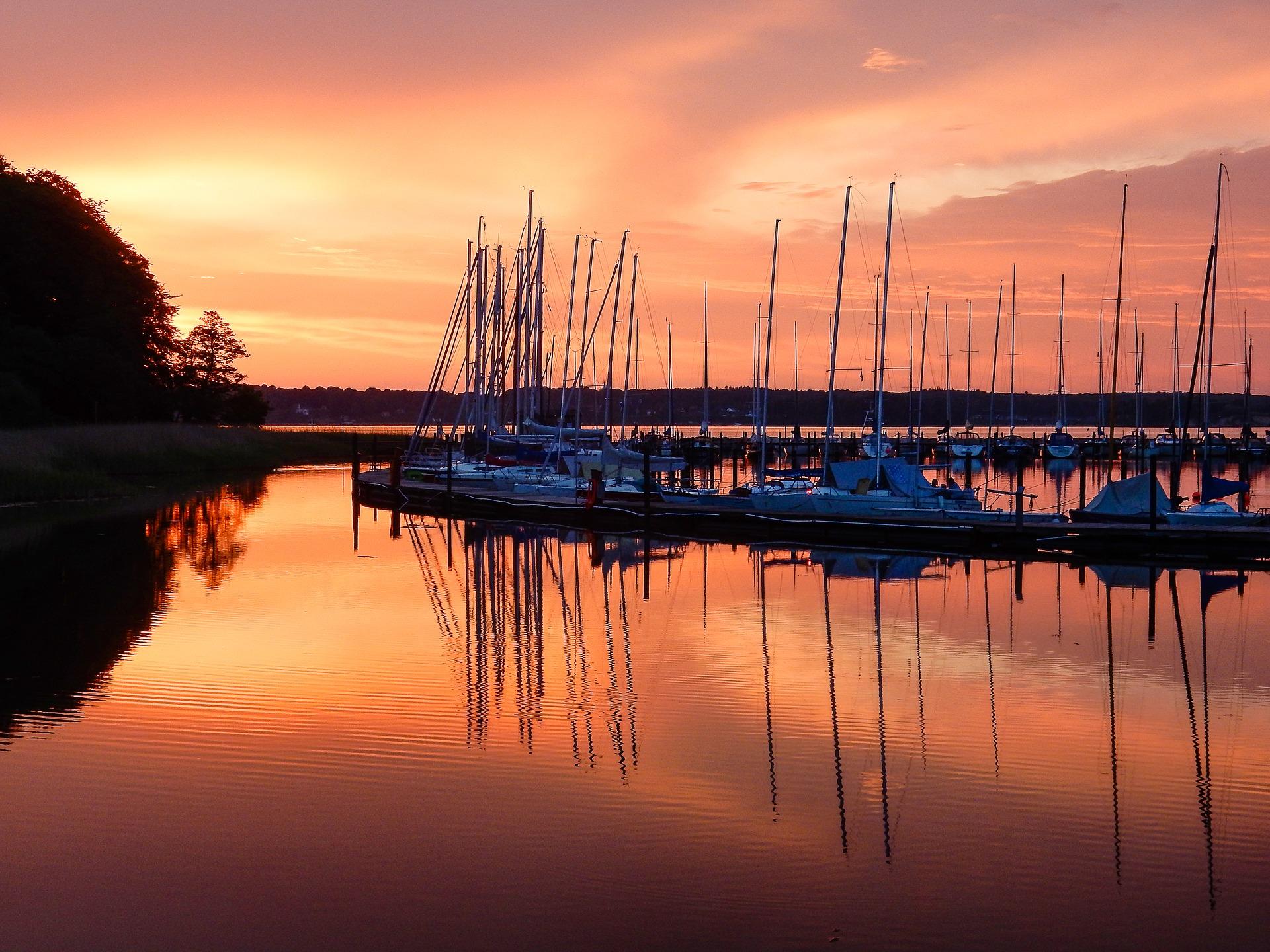 Praslin, Baine Sainte Anne (Dream Yacht Charter)