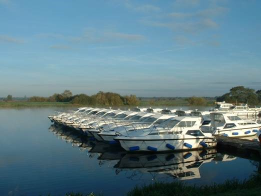 Banagher, Carrickcraft (Locaboat)
