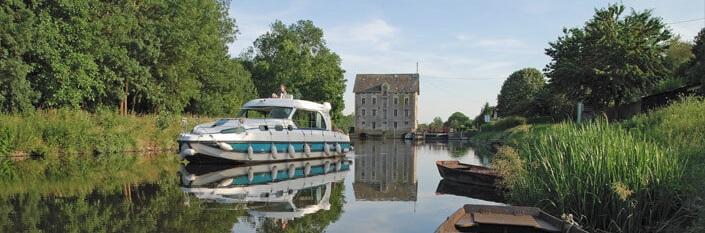 Kanalbåt i Anjou